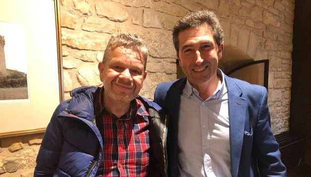 Alberto Chicote y Alberto Díez de Ulzurrun, jefe de sala del restaurante Castillo de Gorraiz.