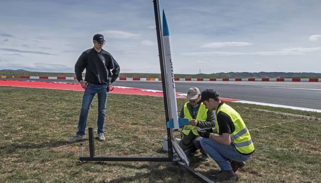 La I Edición CanSat Navarra reunió en el Circuito de los Arcos a 10 equipos de estudiantes con el objetivo de montar un satélite con forma de lata