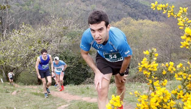Ainhoa Sanz y Oier Ariznabarreta se han impuesto en la carrera celebra en Bera.