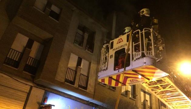Una persona, traslada por inhalación de humo en un incendio en Fustiñana