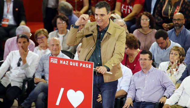 foto de  El presidente del Gobierno, Pedro Sánchez, participó este domingo en un acto electoral en Las Palmas de Gran Canaria.