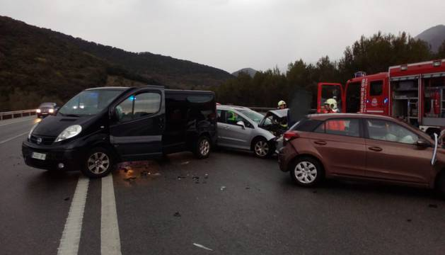 Un herido en un accidente con cinco vehículos implicados en Erice