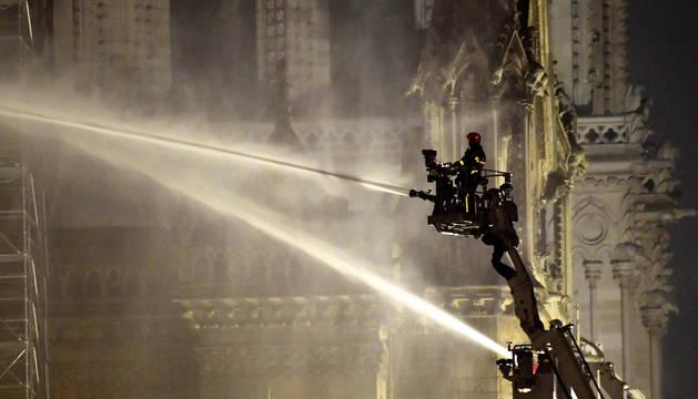 La sugerencia de Trump sobre el incendio de Notre Dame que no gustó a las autoridades francesas