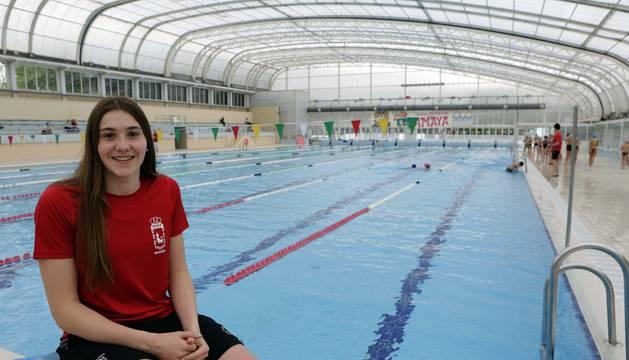 Amaia Iriarte Larralde, en la piscina de la Ciudad Deportiva Amaya donde suele entrenar.