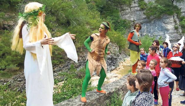 El bosque mágico es una teatralización que discurre por el cañón del río Iranzu.
