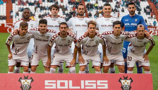 Lluvia de goles en el Carlos Belmonte para que el Albacete siga soñando con el ascenso
