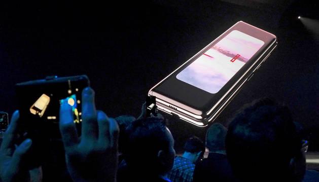 Presentación en San Francisco del Samsung Galaxy Fold, el primer teléfono plegable, el 20 de febrero de 2019.
