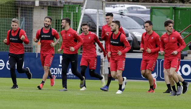 Brandon, Rubén García, Oier, Barja, Perea, Torres, Unai, Clerc y Nacho Vidal, este miércoles en Tajonar.