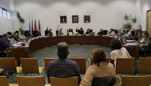 Imagen de archivo de un pleno de Zizur celebrado recientemente.