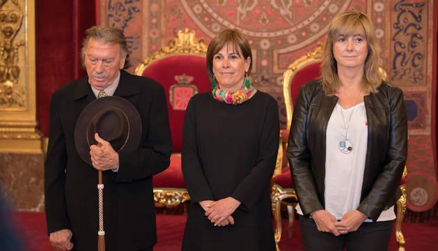 La presidenta del Gobierno de Navarra, Uxue Barkos, ha presidido el acto en el Salón del Trono del Palacio de Navarra.