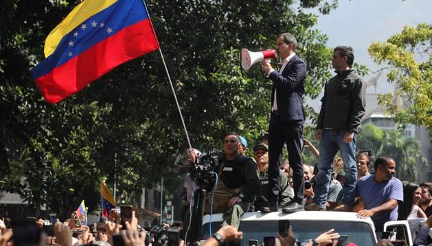 Levantamiento militar contra el régimen de Maduro