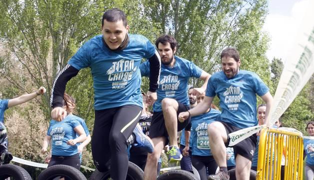 320 deportistas han afrontado la primera edición de la Titan Cross, una nueva carrera de obstáculos (OCR) surgida por la iniciativa de la Asociación Juvenil Becabe.