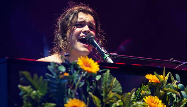 foto de La cantante Amaia Romero durante su actuación en el Warm Up Festival 2019 en Murcia.