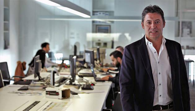 José Emilio Mendívil Olite, gerente de Solartia, en la sede de la empresa.