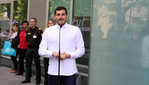 El meta español del Oporto abandonó el centro en el que tuvo que ser operado tras sufrir un infarto.