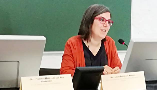La técnica de Igualdad del Ayuntamiento de Pamplona, Laura Laquidáin, durante las jornadas en Granada.