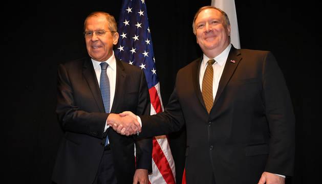 foto de Los jefes de las diplomacias de Rusia y Estados Unidos, Serguéi Lavrov y Mike Pompeo.