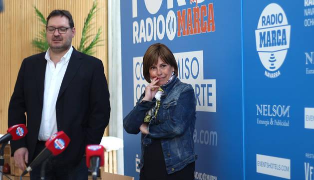 Uxue Barkos, antes del comienzo del encuentro organizado por Radio Marca Navarra y Élite APC.