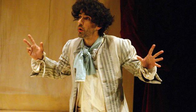 El actor Patxi Larrea, caracterizado como Pablo Sarasate.