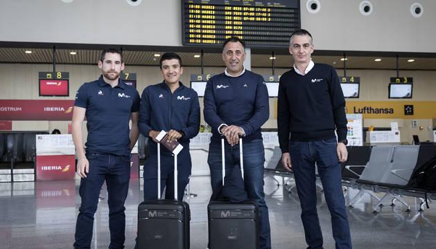 Desde Pamplona, rumbo a Bolonia, partieron Richard Carapaz y Héctor Carretero junto con Chente García, director deportivo; Alfonso Galilea, gerente y el auxiliar navarro Íñigo Michelena.