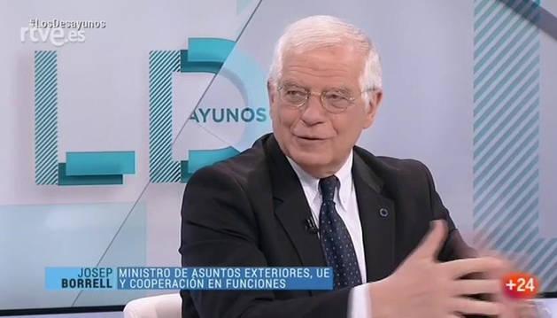 Borrell acusa a EE UU de ir como