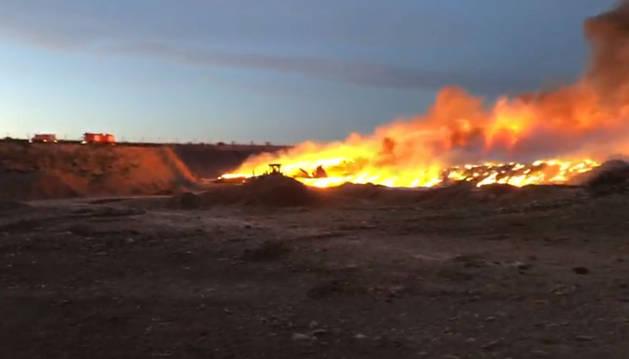 Incendio en un vertedero de Mendavia