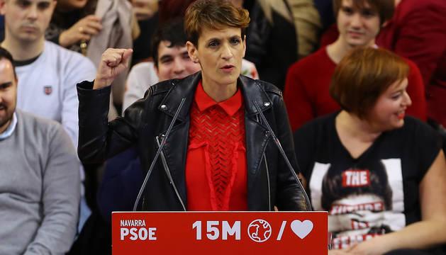 María Chivite, en un acto electoral en el Navarra Arena.