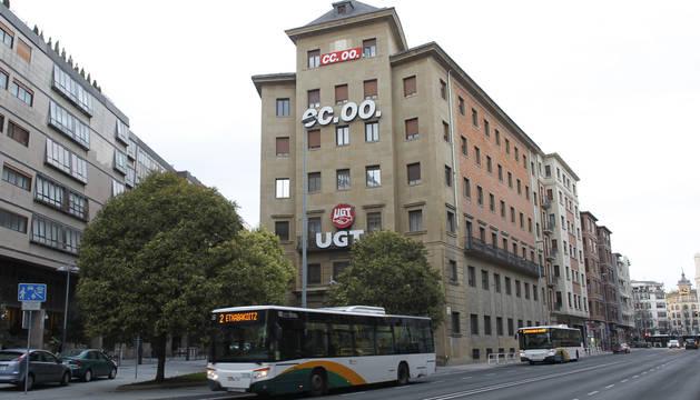 Edificio de los sindicatos y sede de CCOO y UGT.