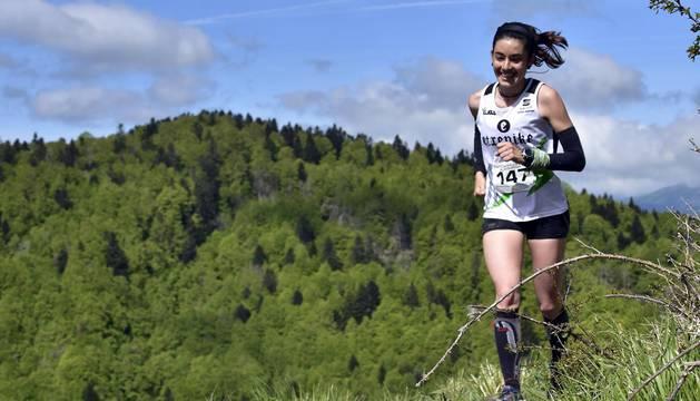Galería de imágenes de la carrera en la que han participado 125 corredores en la carrera corta, sobre 13 kms, y 250 en el recorrido largo de 23 kms.