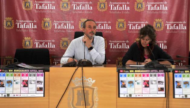 Arturo Goldaracena y Ana Flamarique en el acto de presentación.
