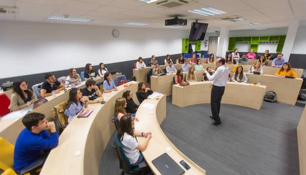 Los estudiantes tuvieron una sesión teórico-práctica en la que simularon ser candidatos para encontrar un trabajo.