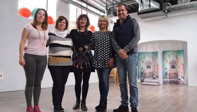 Foto de Maider Escudero Michelena, Arantxa Abarca Moreno, Marijo Waliño Nieves, Rocío Monclús Manjón y Carlos García Pascual.
