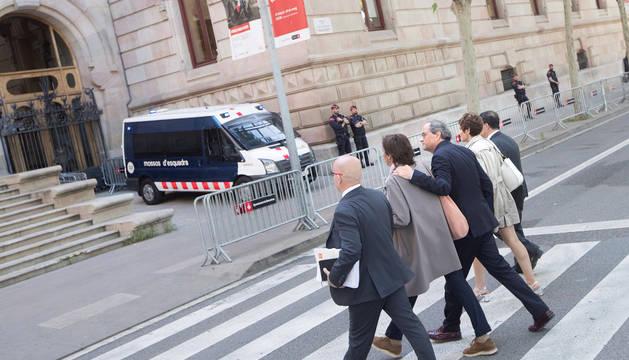 El presidente de la Generalitat, Quim Torra (c), a su llegada al Tribunal Superior de Justicia de Cataluña (TSJC).