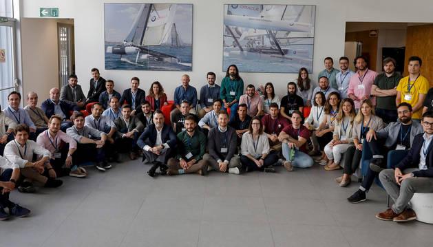 foto de Representantes de las 28 empresas seleccionadas para participar en la aceleradora de startups Lanzadera