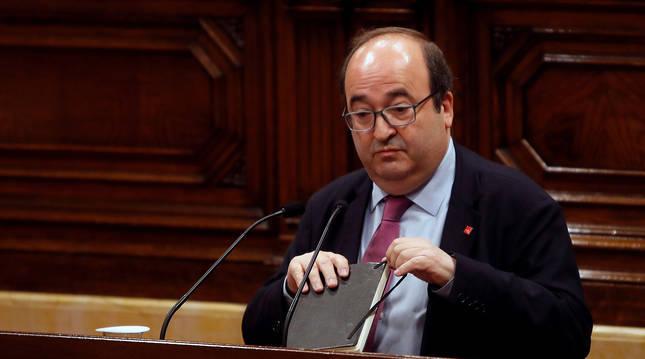El primer secretario del PSC, Miquel Iceta, durante su intervención en el pleno del Parlamento de Cataluña.