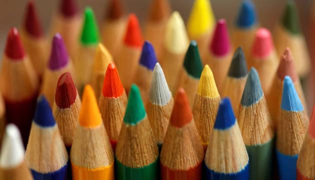 Al igual que los lápices de colores de las aulas, las propuestas educativas de los partidos políticos en campaña multiplican sus tonalidades.