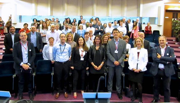 foto de Miembros de Aedipe Navarra, a la conclusión de la Asamblea Anual de la asociación celebrada en el Colegio de Médicos de Pamplona.
