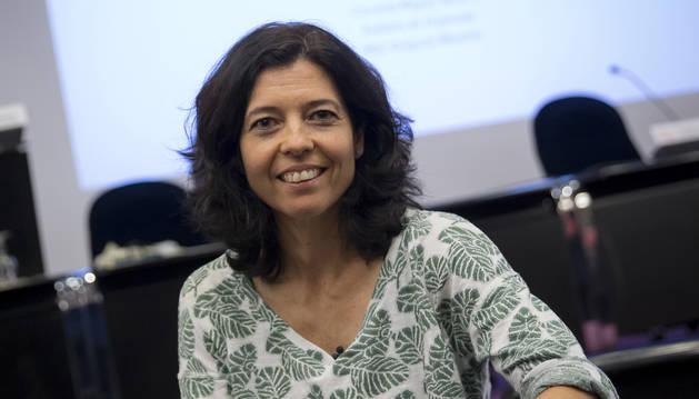 Conchita Míguez Navarro, pediatra especialista en urgencias, en el Colegio de Médicos.