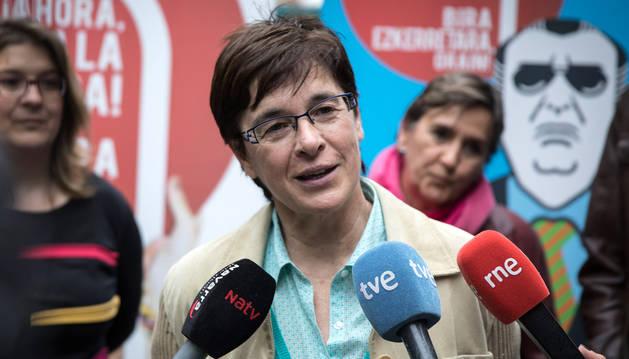 foto de Edurne Eguino en un acto de campaña electora de I-E