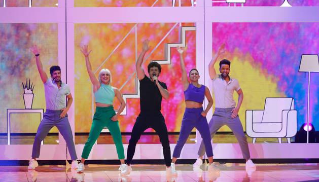 Miki durante el ensayo de su actuación en la final del Festival de Eurovisión, este viernes, en Tel Aviv (Israel).