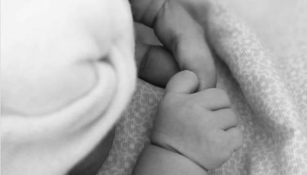 Imagen que ha compartido Begoña Villacís tras dar a luz a su tercera hija.