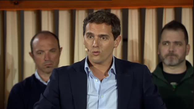 """Rivera lamenta en Estella que el Congreso y el Senado vayan a estar presididas por un partido """"nacionalista"""""""