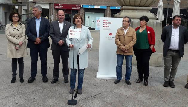 Uxue Barkos durante el acto electoral en la Plaza del Vínculo de Pamplona este lunes 20 de mayo.