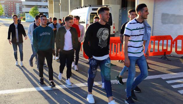 Foto de la llegada de los jugadores de Osasuna a El Sadar.