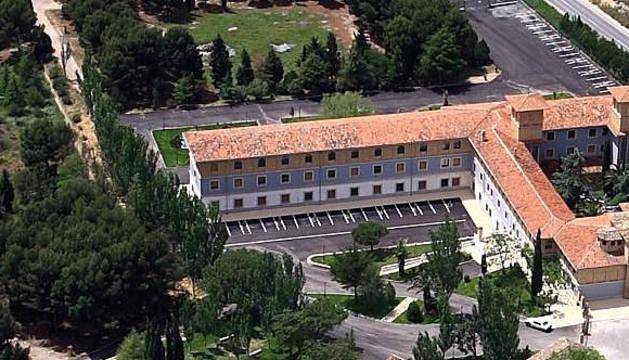 Imagen aérea del antiguo convento de los padres Pasionistas donde se ubicará la nueva residencia -a la dcha., la ermita del Villar-.