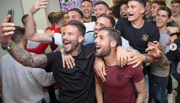 Imagen subida por Rubén García a su cuenta de Instagram con las celebraciones del ascenso junto a sus compañeros.