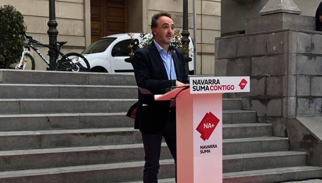 Foto del candidato a la presidencia del Gobierno de Navarra por Navarra Suma, Javier Esparza, en Tudela.