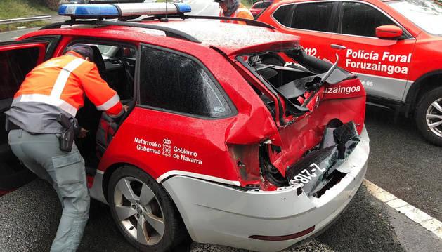Herido un policía foral al chocar un camión con tres vehículos en Bera