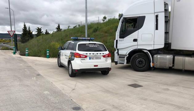 Un camionero sextuplica la tasa de alcohol permitida en la AP-15