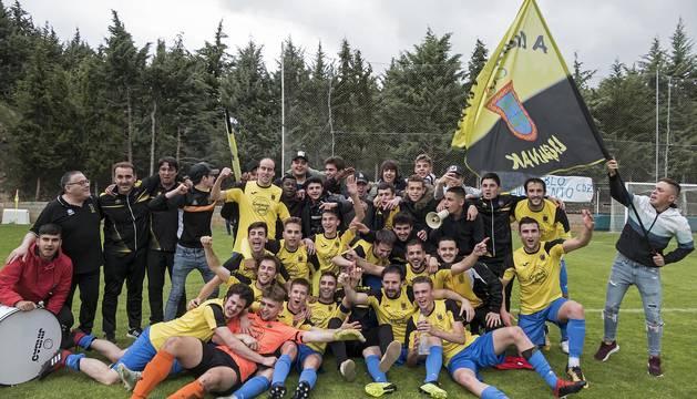 Los futbolistas de Barañáin vencieron en Arróniz y confirmaron el ascenso en una temporada en la que también han ganado la Copa IMQ.